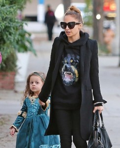 nicole-richie-and-givenchy-rottweiler-print-hoodie-gallery